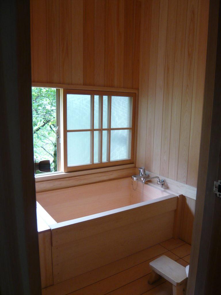 画像:客室にある檜風呂
